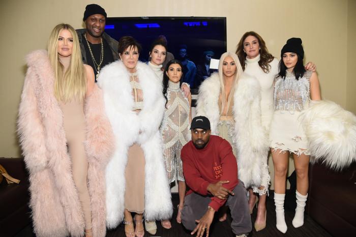 Kanye-West-Yeezy-Season-3-Front-Row-khloe-kim-kourtney-kardashian-kris-kendall-kylie-jenner-lamar-odom-700x466